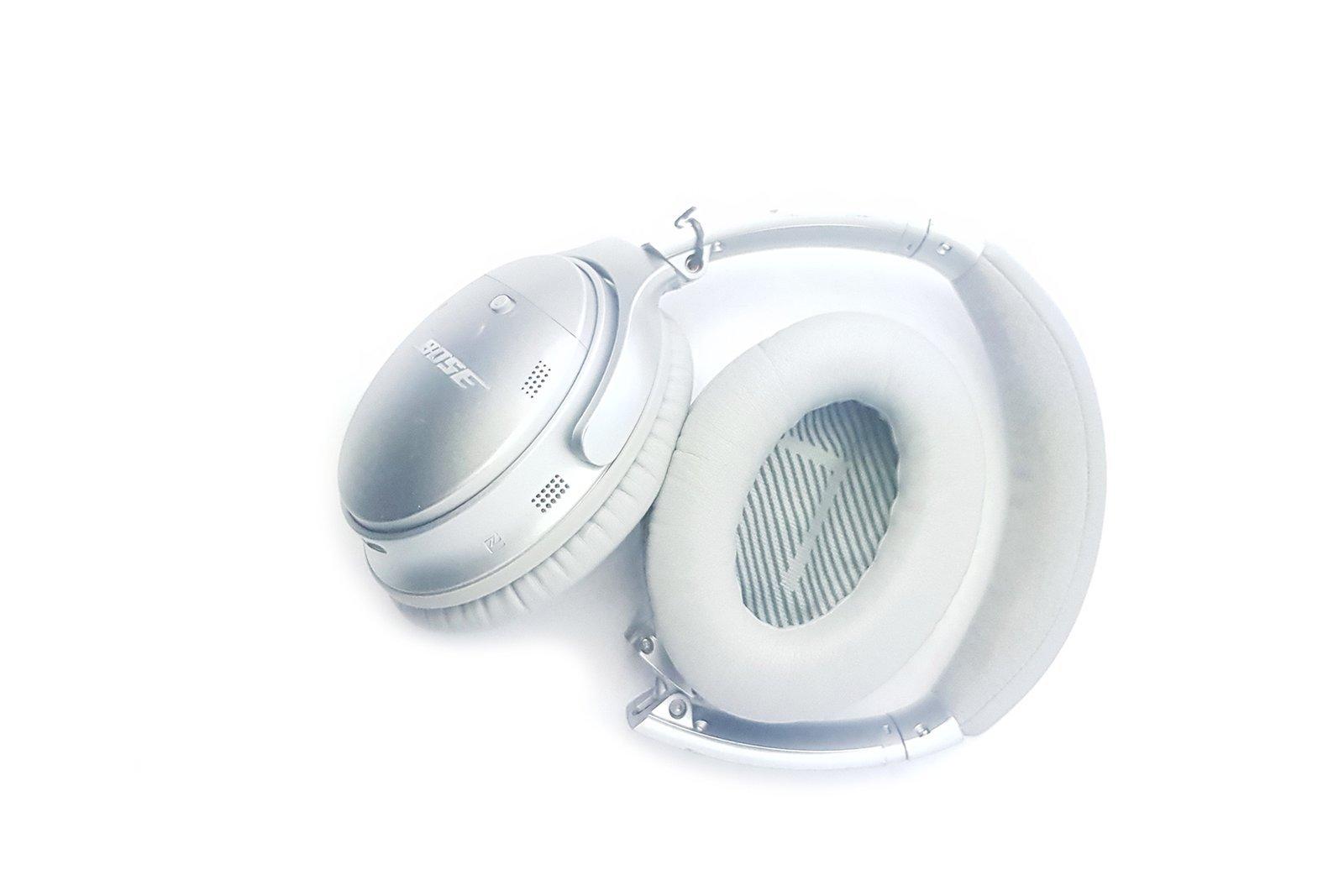 Bose QuietComfort 35 II Wireless Noise Cancelling Headphones Silver